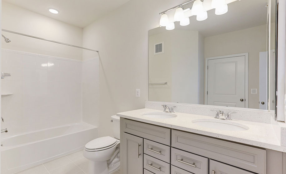 Birchwood at Brambleton Bradley Homesite 1-10 Secondary Bathroom